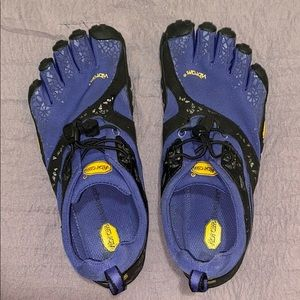 VIBRAM 5 Finger Active Shoes!